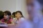 Copii terorizaţi de o învăţătoare din Capitală care s-a filmat când ţipă la ei. Inspectoratul îi cere şcolii să o cerceteze disciplinar