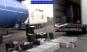 """Cum """"diluează"""" benzinarii combustibilul pe care îl cumpărăm din stații. Lovitură grea dată de poliție contrabandiștilor din Prahova"""