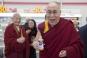 Dispută pe reîncarnarea lui Dalai Lama: Liderul spiritual din Tibet crede că ar putea renaște într-o femeie
