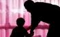 """Fetiţă de 2 ani şi 3 luni, maltrată de îngrijitoare la o creşă din Piatra Neamţ. """"Stai pe oliţă, că-ţi sucesc capul la spate!"""""""