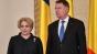"""Iohannis o ironizează pe Dăncilă de la Casa Albă: """"Simpatică, doamna premier"""""""