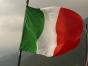 Italienii ramasi fara bani au inceput sa jefuiasca organizat magazine. Mafia vrea sa preia controlul in sudul tarii