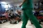 O asistentă de la spitalul din Brașov dată cu capul de pereți de un pacient