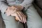 O femeie de 72 de ani, din Vaslui, a scapat de un violator dupa ce l-a luat la un pahar de visinata. Agresorul si-a uitat chilotii la locul faptei
