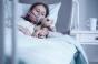 O fetiță de 10 ani a fost plimbată prin spitale timp de 6 zile din cauza lipsei de paturi ATI