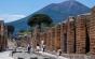 O turistă care a furat mai multe artefacte din Pompeii le-a returnat după 15 ani, susţinând că sunt blestemate