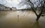 Paris: Sena s-a revărsat, nivelul fluviului ar putea ajunge sâmbătă la 6,2 metri