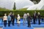 """Regina Elisabeta a II-a la fotografia de grup de la summitul G7: """"Ar trebui sa aratam ca si cum ne-am simti bine?"""""""