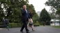Soții Trump îl desemneaza pe șeful servitorilor Casei Albe să-i întâmpine pe soții Biden