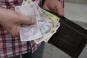Statul subvenţionează salariile celor întorşi la muncă din şomaj tehnic, timp de trei luni