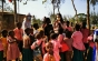 Turiştii români întâmpinaţi cu tunuri cu apă pe aeroportul din Kenya. Care este motivul şi de ce vor românii astfel de vacanţe