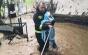 Vela, despre pompierul fotografiat cu un bebeluş în braţe, la inundaţiile din Rodna: Ieşise dintr-o tură de 24 de ore