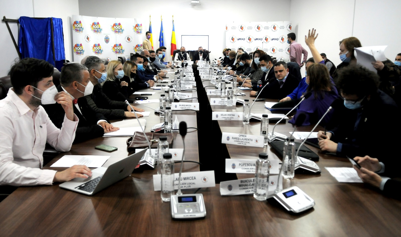 """Acuzații fără precedent în București! """"USR-PLUS și PNL le fură copiilor dreptul la burse decente și îi manipulează în scop politic"""""""