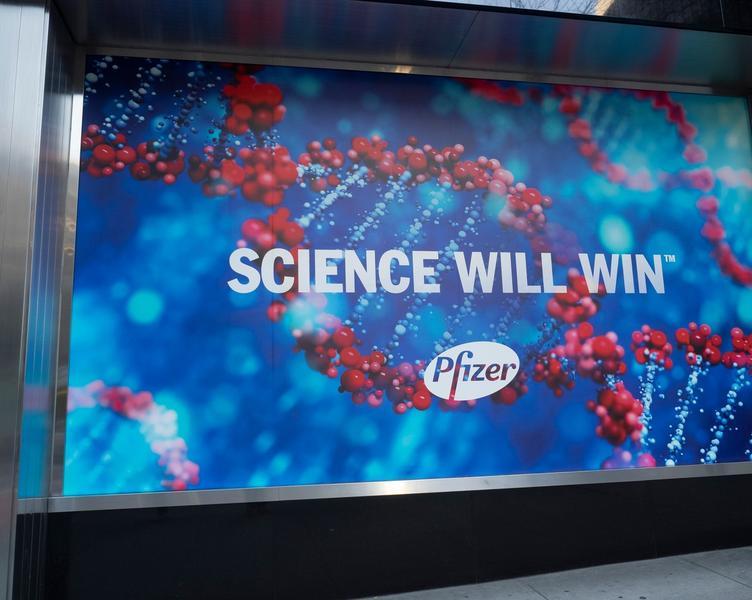 Agenția americană a medicamentului analizează cinci reacții alergice la vaccinul Pfizer în SUA