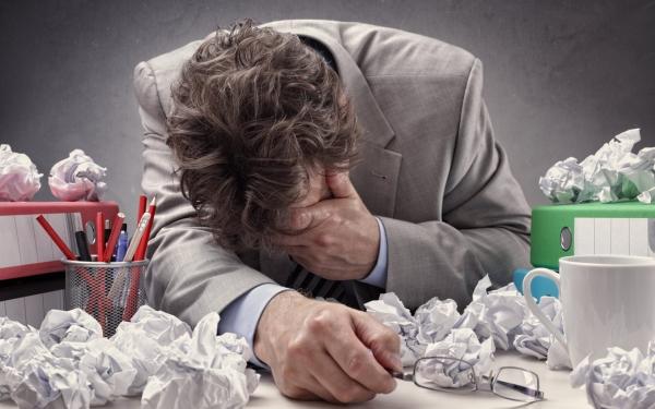 Alarmant ca nivelul de stres s-a dublat în timpul pandemiei iar 30% dintre angajaţii români au ajuns la epuizare