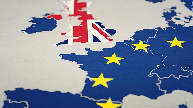 Cât timp vor mai putea călători românii în Marea Britanie doar cu buletinul