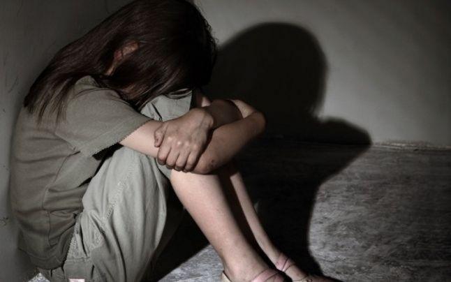 Copilă violată în casa unde locuia. Agresorul sexual, arestat la două luni de la comiterea faptei