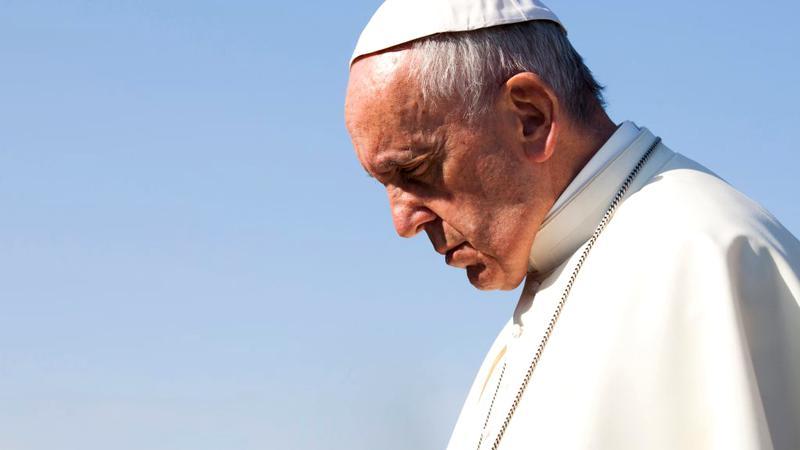 Demisie controversată la Vatican. Unul dintre criticii Papei Francisc a fost eliminat pentru ca era potentialul succesor al Suveranului Pontif