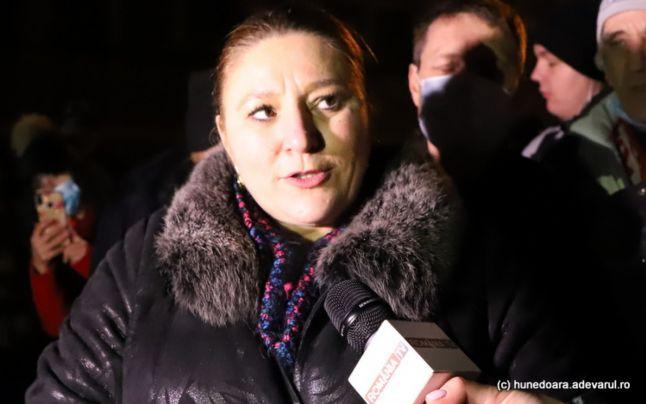 """Diana Şoşoacă anunţă că şi-a făcut partid: """"Sunt mai mult decât Marine Le Pen, care oricum este peste Macron!"""""""