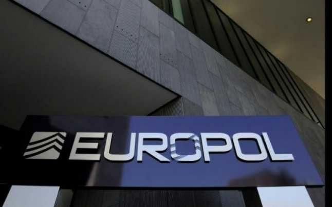 Europol avertizează asupra riscului unor vaccinuri false împotriva COVID-19