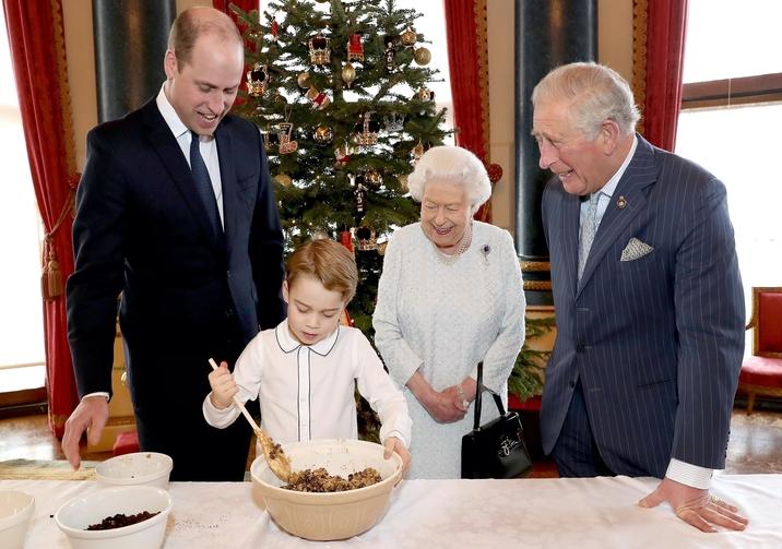 Experţii in regalitate au o ipoteză explozivă: Prinţul George, fiul lui William, nu va fi niciodată rege!