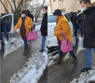 Femeia care a lucrat 20 de ani ca psiholog la un spital din Targoviste, cu o diploma de licenta falsificata, a fost retinuta pentru 24 de ore