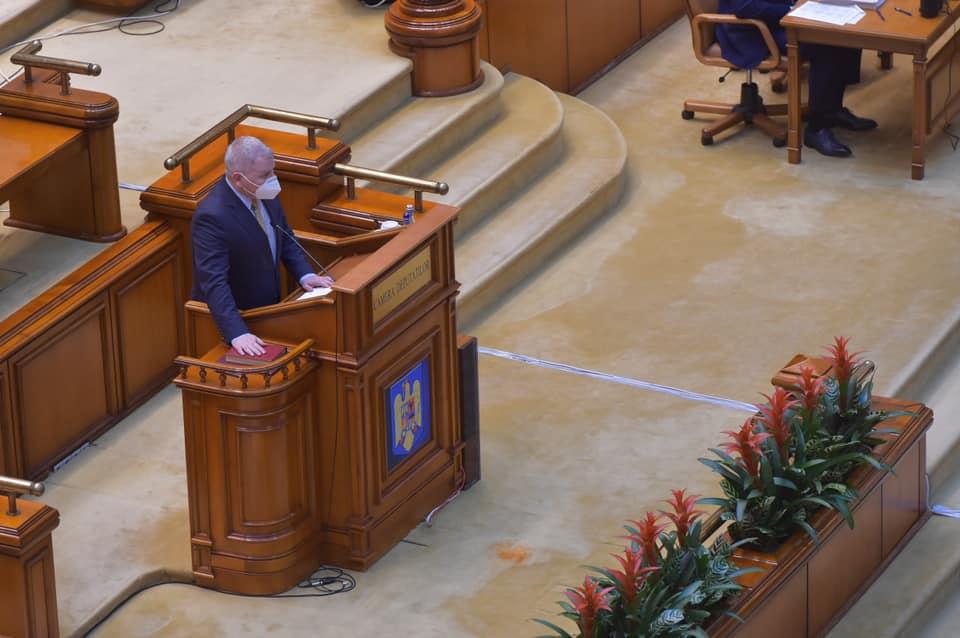 """Florin Roman isi incepe mandatul cu pesimism: """"PNL cedează pas cu pas diferite poziții strategice in parlament, așa cum a făcut in Executiv!"""""""