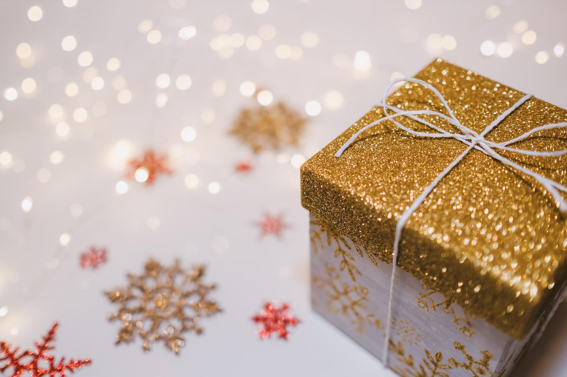 Idei de cadouri pentru Crăciun. Cum faci un cadou magic?