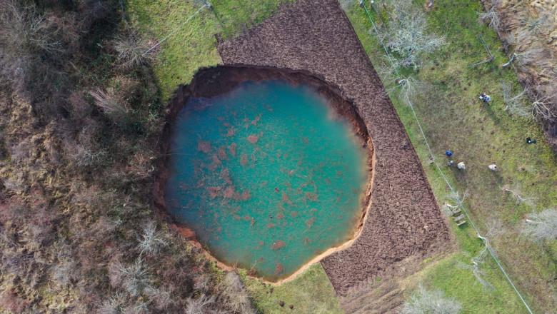 Imense cratere au apărut în Croația după cutremurul puternic din decembrie. Până acum au fost descoperite 100 de găuri uriașe