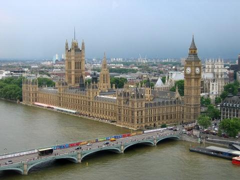 Marea Britanie raționalizează produse de strictă necesitate în urma blocadei pentru noua tulpină Covid 19
