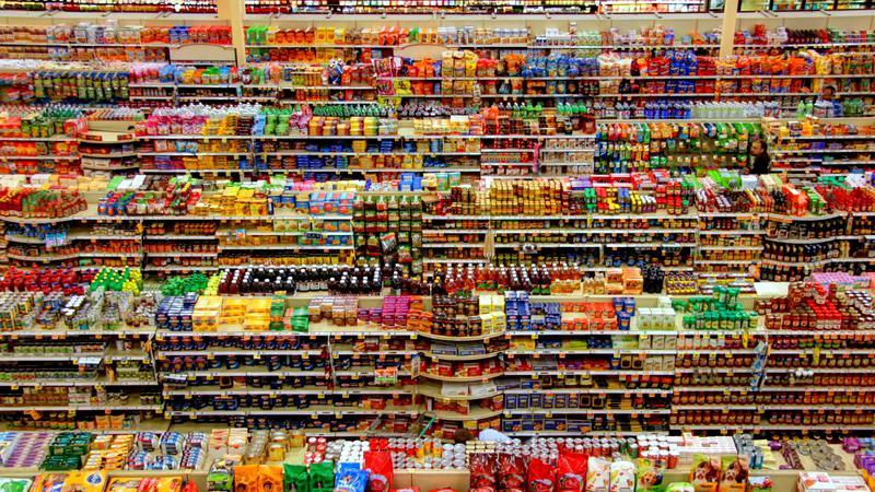 Marea Britanie restricționeaza publicitatea la alimente bogate în grăsimi, sare şi zahăr, pentru reducerea obezităţii!