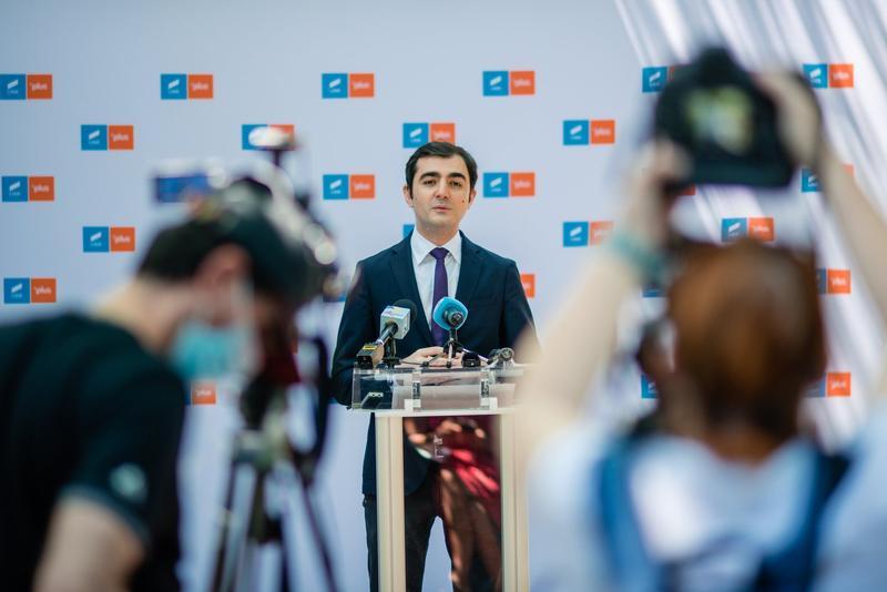 """Ministrul Economiei desființat de un om de afaceri din propriul partid: """"Nu l-aș angaja în firmele mele"""""""