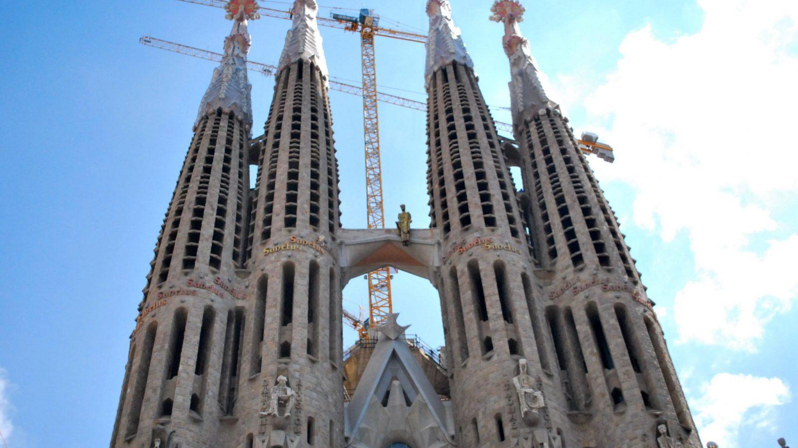 Neomarxiştii au descoperit că Sagrada n-are autorizaţie de construcţie. Amendă de 36 de milioane de euro