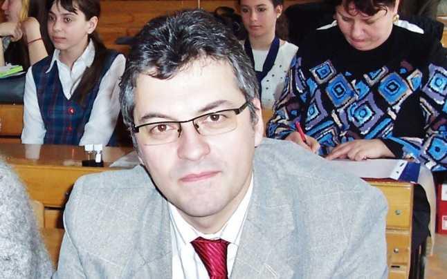 Noul inspector șef al județului Brăila taie numărul de clase de la licee și le mărește acolo unde e profesor