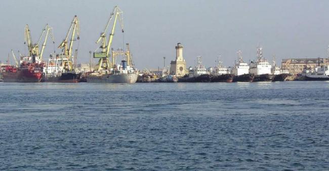 O navă rusească cu 13 marinari la bord s-a scufundat în Marea Neagră: două persoane au murit, una este disparuta