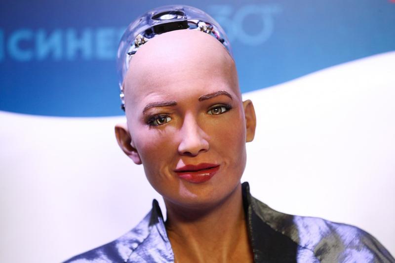 Pandemie de roboti! Producătorii umanoidului Sophia vor să demareze producția în masă până la sfârșitul anului