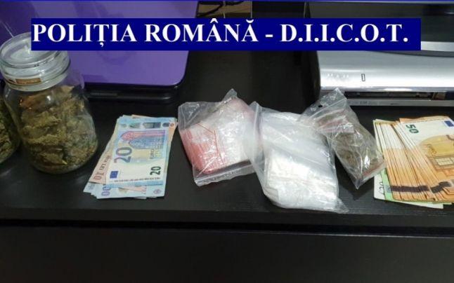 Reţea uriaşă de trafic de droguri, destructurată de DIICOT. 74 de percheziţii şi 165 de persoane audiate