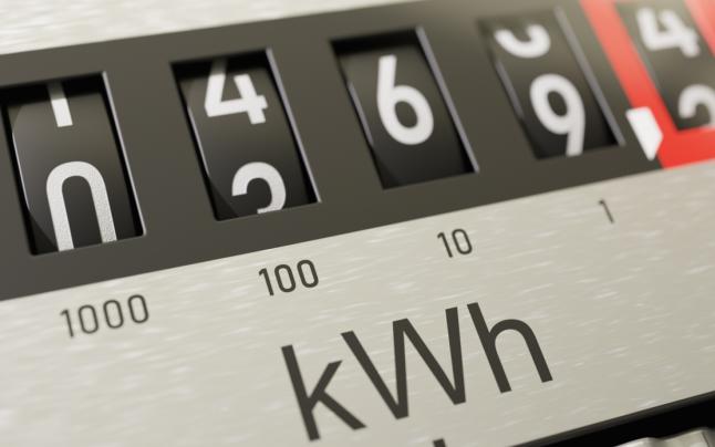 Reclamaţii în lanţ în cazul schimbării furnizorului de energie electrică. Mulţi români se plâng de scumpiri