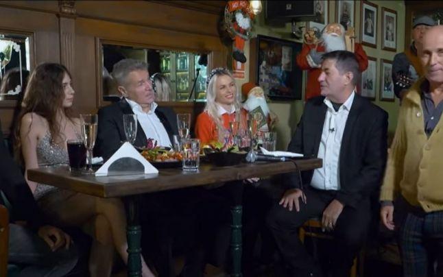"""Revelionul TVR: Iohannis, interpretat spunând: """"În 2021, tre' să fii tare bou să mai stai închis în casă!"""""""