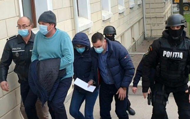 Revoltator! Poliţiştii şpăgari de la Permise Auto eliberaţi din arest îşi pot relua activitatea de examinare