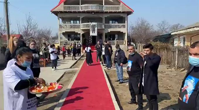 Sfidarea politistilor din Vaslui: Priveghi cu paranghelie in plina pandemie transmis live pe Facebook