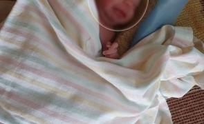 Sofia, un bebeluș a stat patru luni cu o baterie în gât