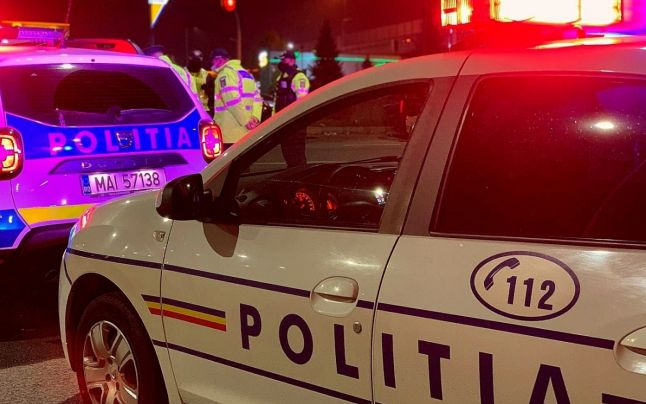Un bărbat fără permis și numere false a lovit cu maşina alte 10 autoturisme în Constanţa