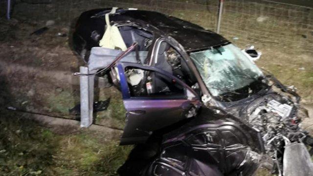 Un om a murit după ce mașina pe care o conducea a lovit un câine pe A2