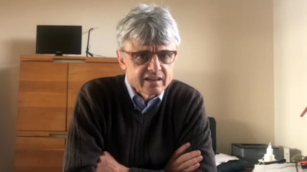"""Un virusolog care l-a """"tradat"""" pe Bill Gates: """"Vaccinarea actuală ar putea fi o catastrofă pentru omenire. O arma de distrugere în masă!"""""""
