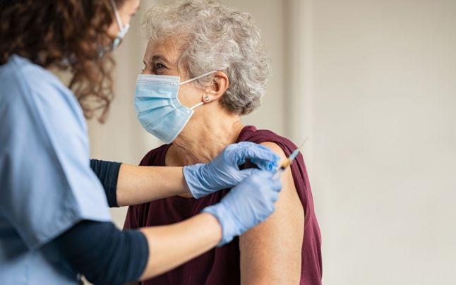 """Vaccin universal anti-COVID? Cercetător român: """"Va mai dura ceva timp. Ar putea fi realizat!"""""""